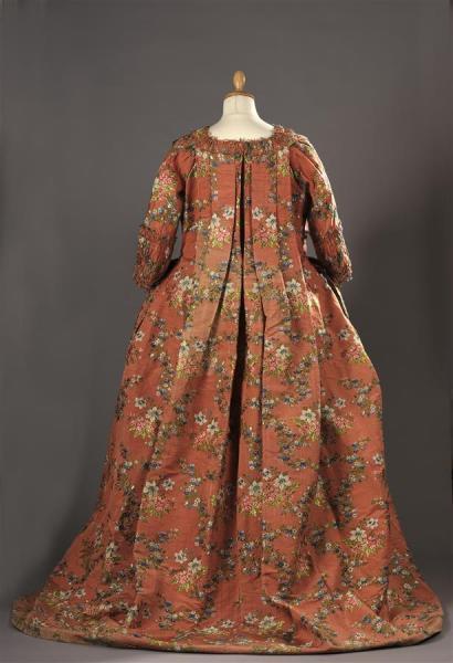 Robes du XVIIIe siècle - Page 3 15506811