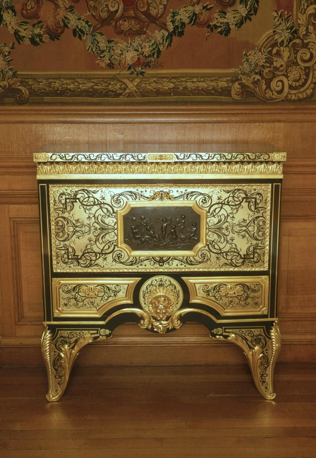 Le mobilier et le renouveau du « style Boulle » dans les années 1770-1780 : Etienne Levasseur et Adam Weisweiler 18345310