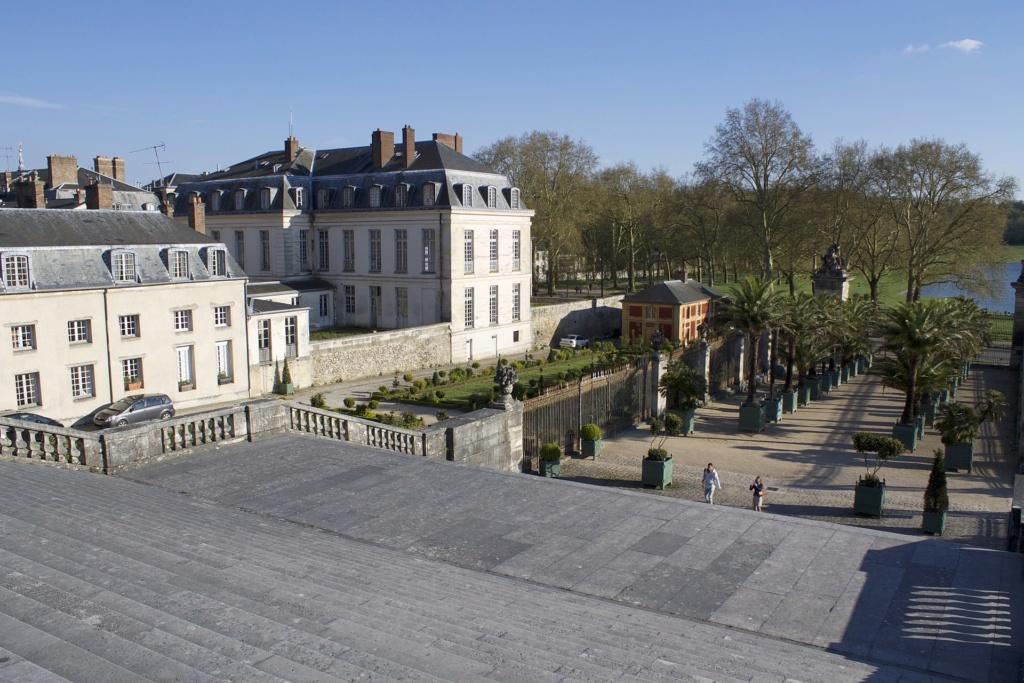 Hôtellerie de luxe et restaurant de haute gastronomie à Versailles : L'Hôtel du Grand Contrôle 1920px26