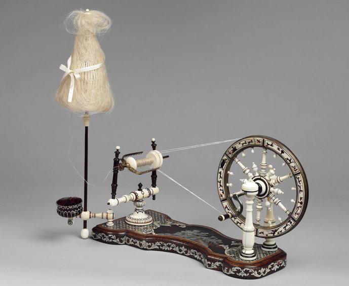 Un rouet ayant appartenu à Marie-Antoinette ? Les rouets au XVIIIe siècle 2015hl10