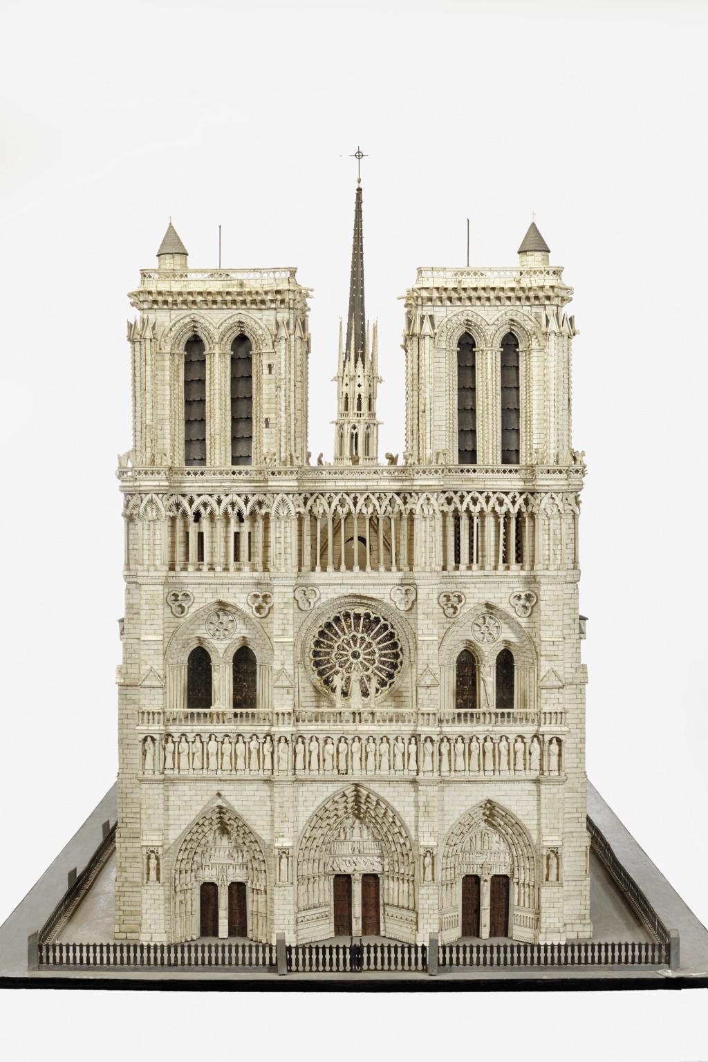 Maquettes historiques de la cathédrale Notre-Dame de Paris 2017_p13