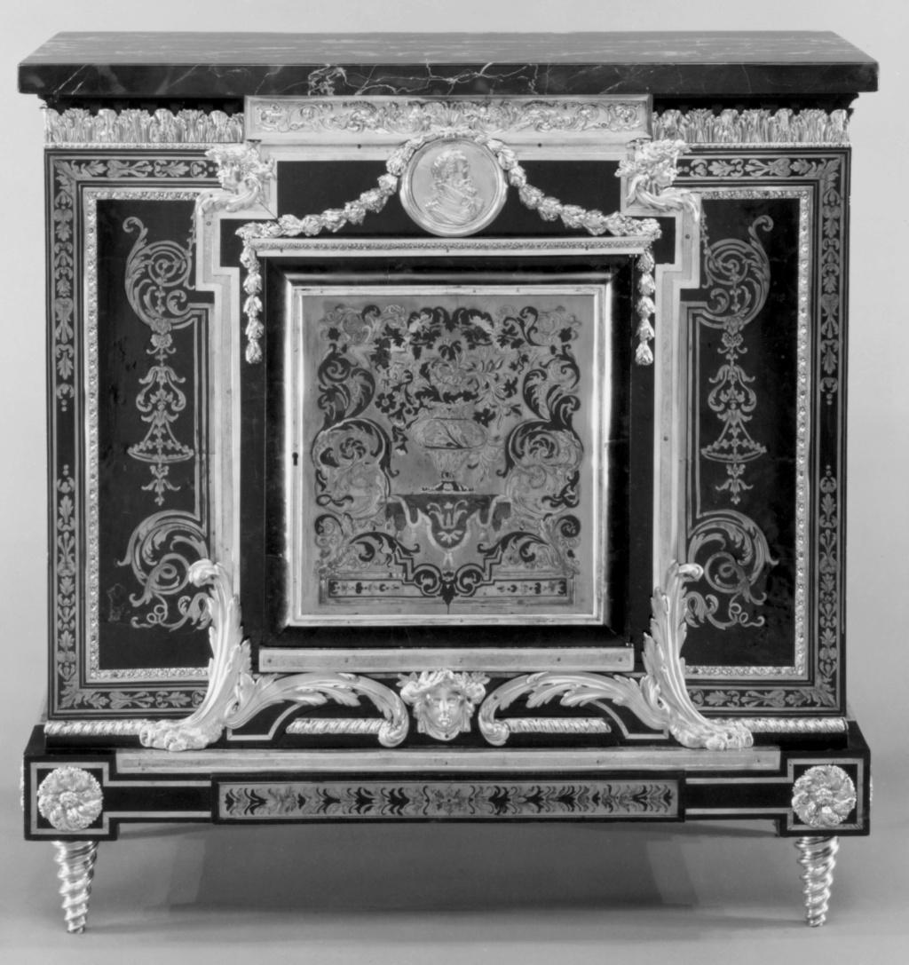 Le mobilier et le renouveau du « style Boulle » dans les années 1770-1780 : Etienne Levasseur et Adam Weisweiler 20545210