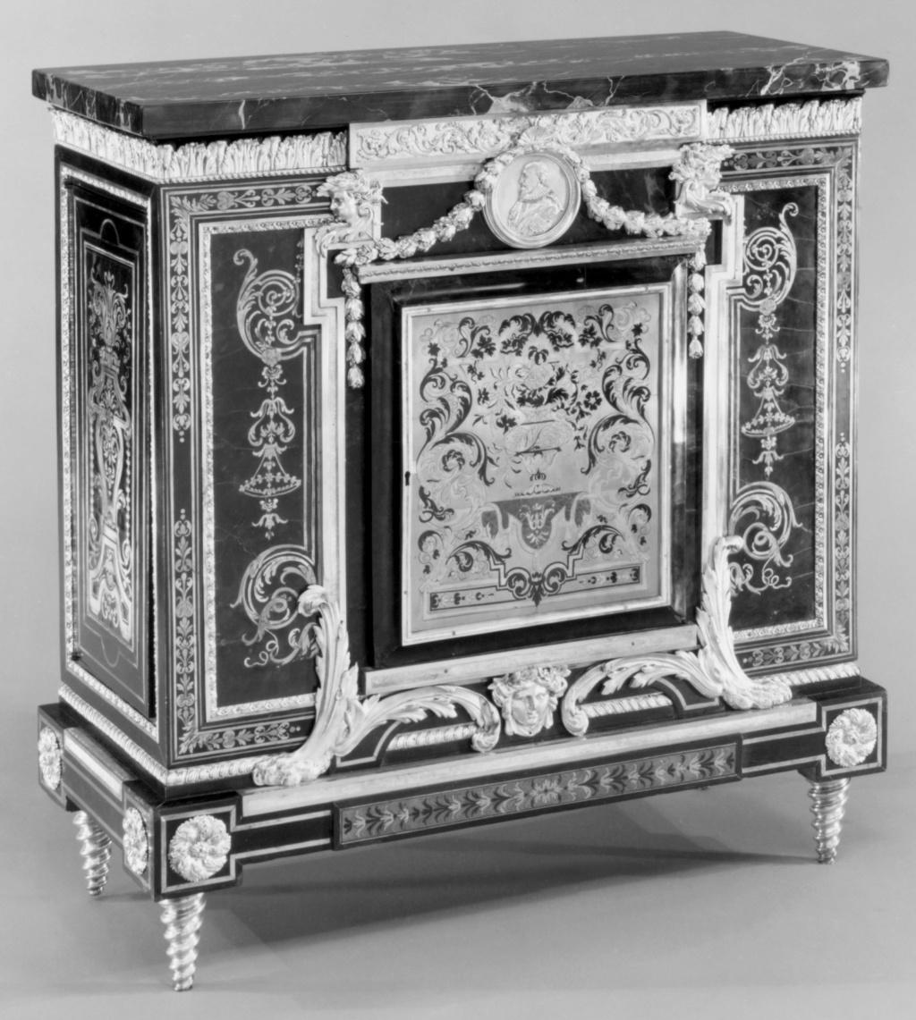 Le mobilier et le renouveau du « style Boulle » dans les années 1770-1780 : Etienne Levasseur et Adam Weisweiler 20545410
