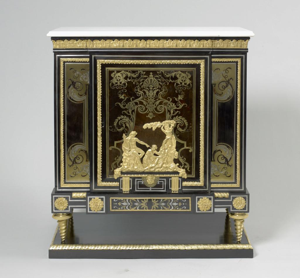 Le mobilier et le renouveau du « style Boulle » dans les années 1770-1780 : Etienne Levasseur et Adam Weisweiler 27021210