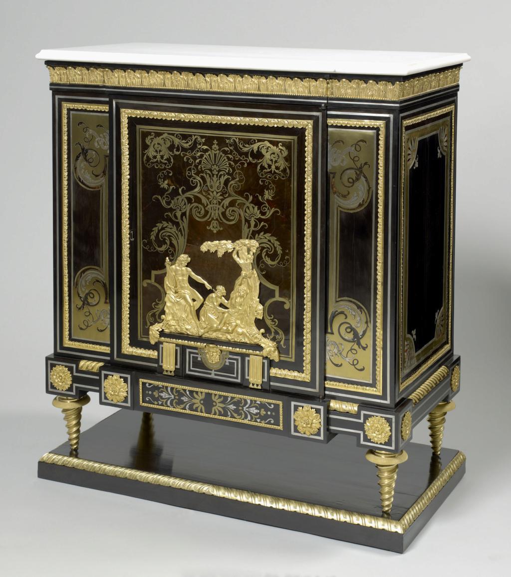 Le mobilier et le renouveau du « style Boulle » dans les années 1770-1780 : Etienne Levasseur et Adam Weisweiler 27021310