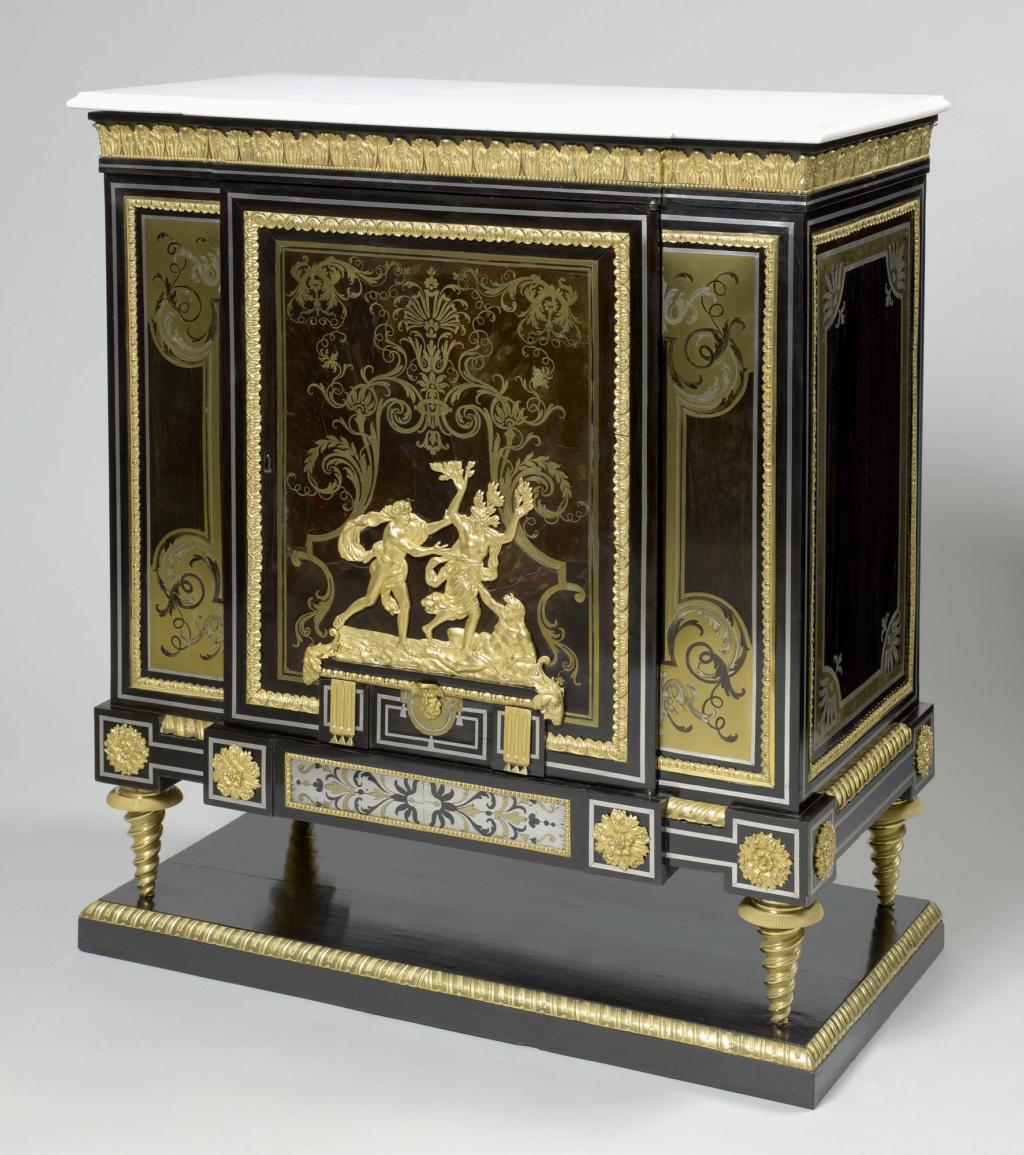 Le mobilier et le renouveau du « style Boulle » dans les années 1770-1780 : Etienne Levasseur et Adam Weisweiler 27021510