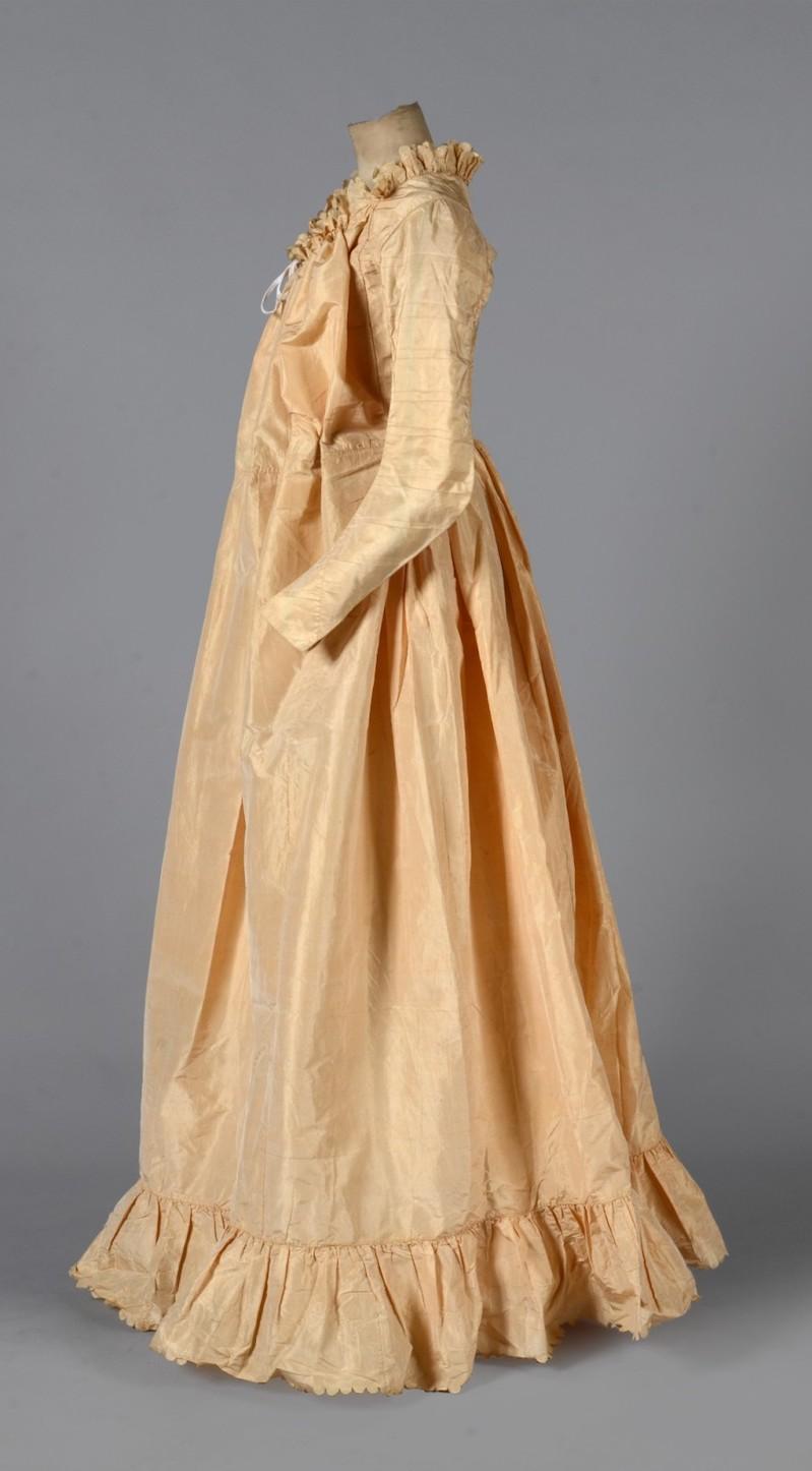 Les robes de grossesse au XVIIIème siècle 298_110