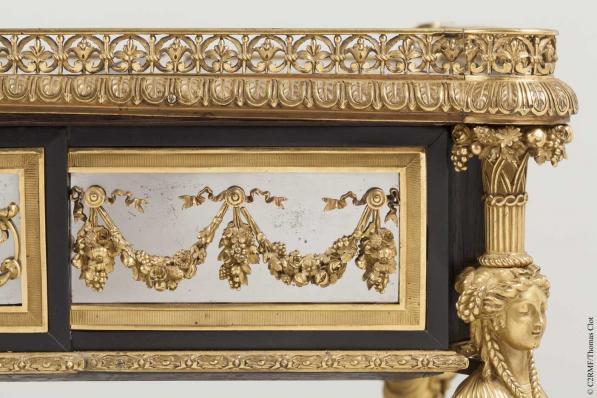 Chinoiseries et meubles de Marie-Antoinette : par Weisweiler, Macret et Riesener - Page 2 2_610