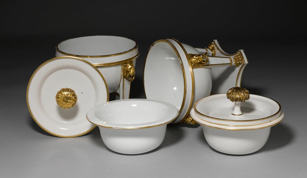 """Seaux à glace """" à trépieds """" en porcelaine de Sèvres  45882010"""