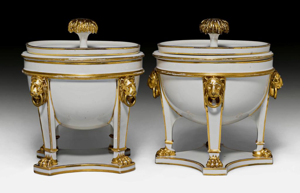"""Seaux à glace """" à trépieds """" en porcelaine de Sèvres  45882012"""