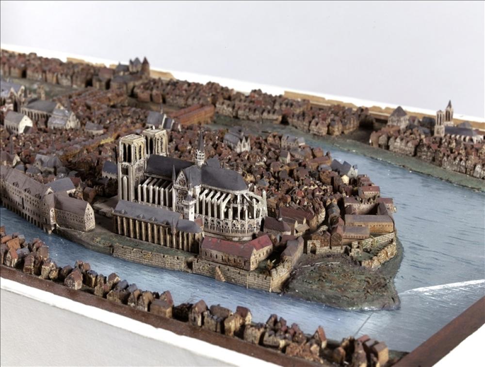Maquettes historiques de la cathédrale Notre-Dame de Paris 59484-10