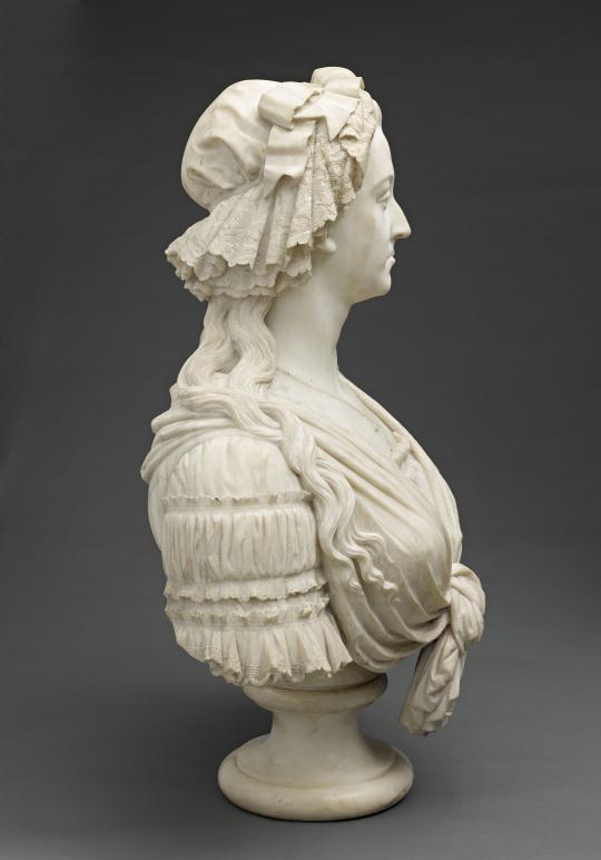 Bustes de Marie-Antoinette par la duchesse Castiglione-Colonna, Adèle d'Affry, dite Marcello 61827810