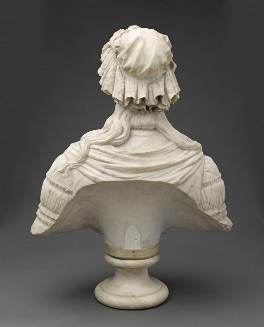 Bustes de Marie-Antoinette par la duchesse Castiglione-Colonna, Adèle d'Affry, dite Marcello 61828210