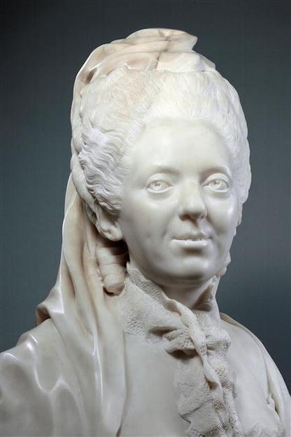 Buste de Mme Adélaïde, de Mme Clotilde, ou d'une inconnue (mais non pas de Marie-Antoinette) par Vavasseur ?  61974210