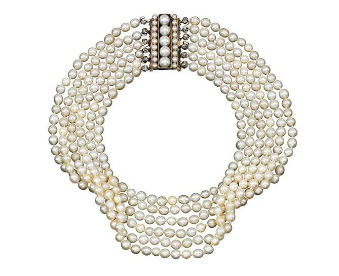Bijoux de Marie-Antoinette : perles et diamants des Bourbon-Parme - Page 3 670-8-10