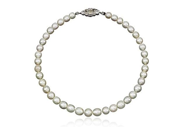 Bijoux de Marie-Antoinette : perles et diamants des Bourbon-Parme - Page 3 670-9-10