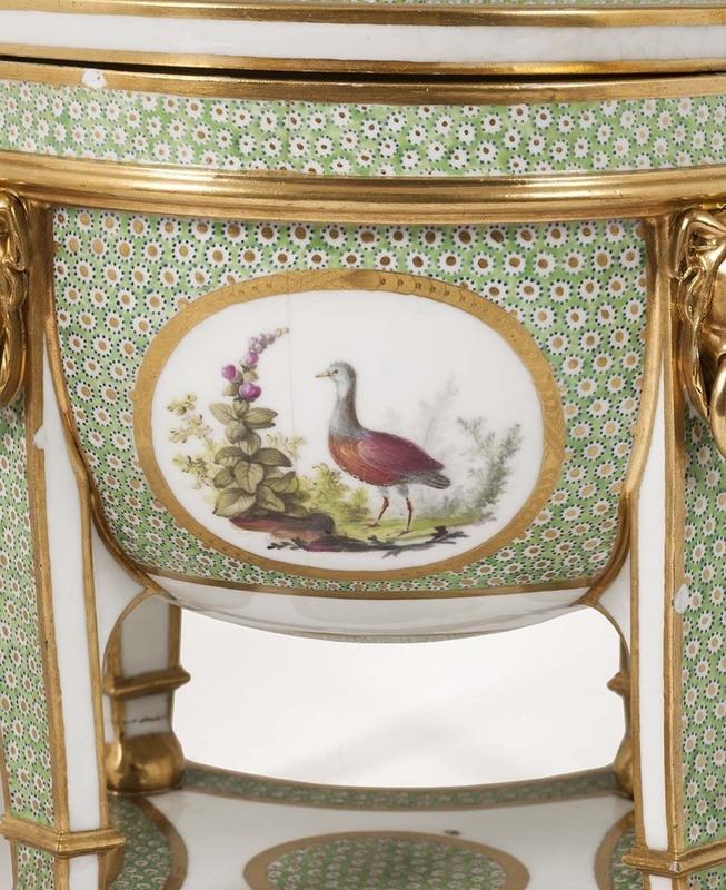 """Seaux à glace """" à trépieds """" en porcelaine de Sèvres  68735810"""