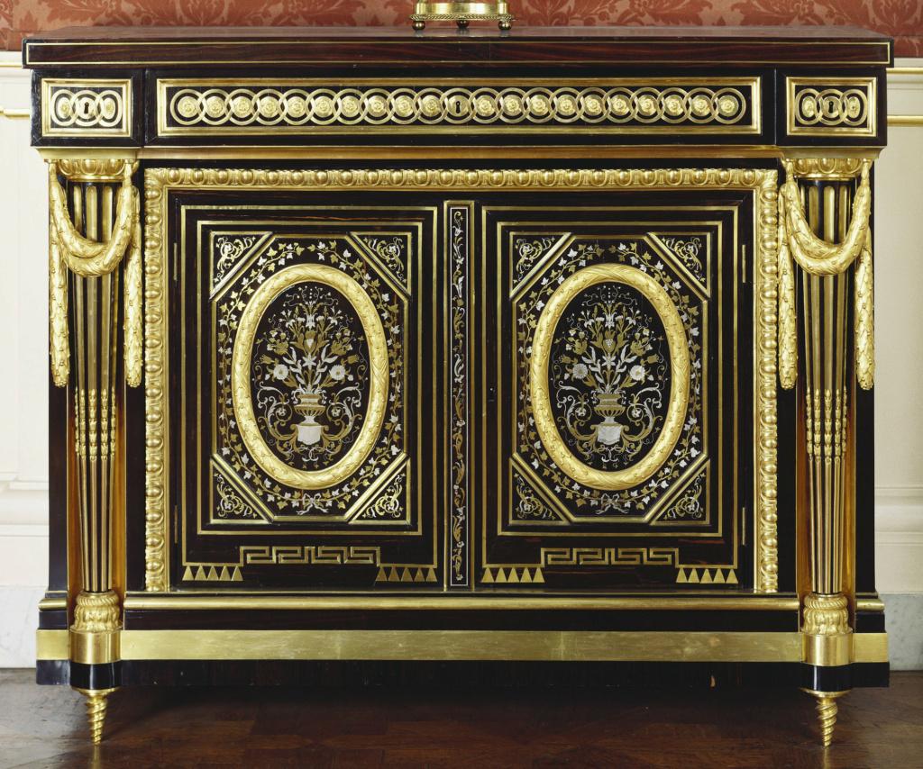 Le mobilier et le renouveau du « style Boulle » dans les années 1770-1780 : Etienne Levasseur et Adam Weisweiler 71536410