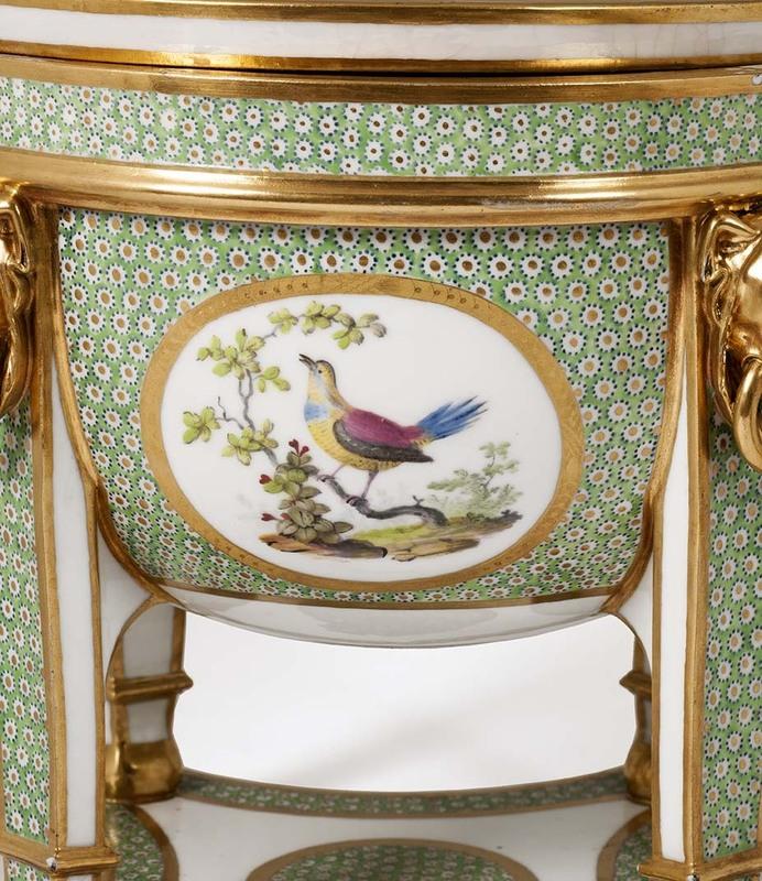 """Seaux à glace """" à trépieds """" en porcelaine de Sèvres  73583b10"""