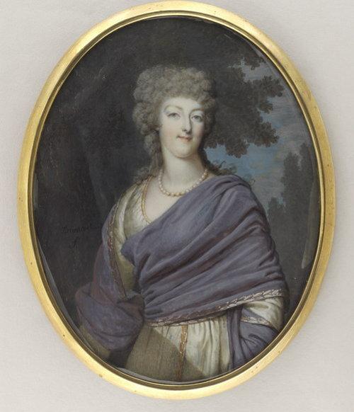 Marie Antoinette, miniatures attribuées à ou d'après François Dumont - Page 2 768-110