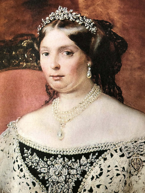 Quatre perles parmi les plus célèbres au monde : La Régente (Perle Napoléon), La Pélégrina, La Pérégrina, La perle de Marie-Antoinette - Page 2 78948910