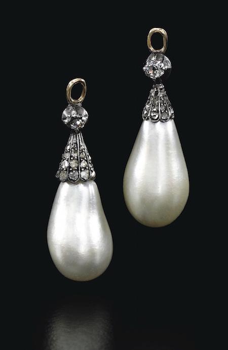 Bijoux de Marie-Antoinette : perles et diamants des Bourbon-Parme - Page 4 919ge110
