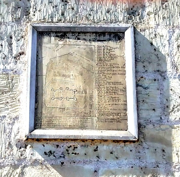 14 juillet 1789 : la  prise de la Bastille - Page 3 Bastil11