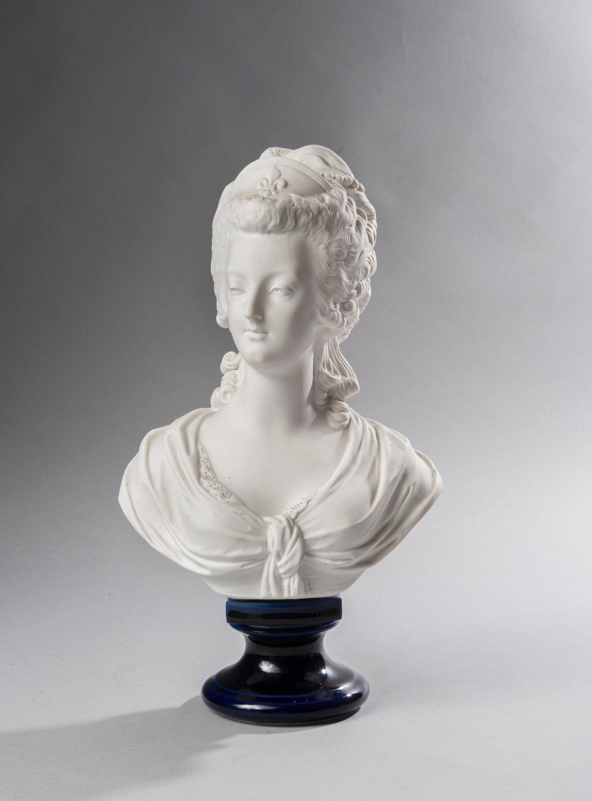 Marie Antoinette, par (et d'après) Louis-Simon Boizot - Page 3 Bracha12
