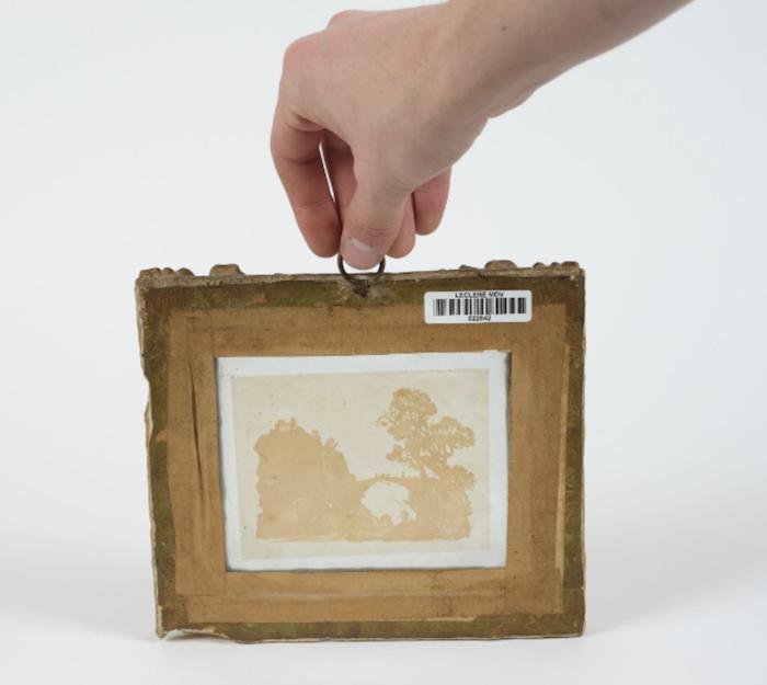 L'art des découpures au XVIIIe siècle : figures en papier découpé et canivets Capt1021