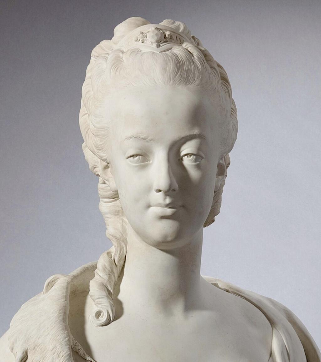 Marie Antoinette, par (et d'après) Louis-Simon Boizot Capt1184