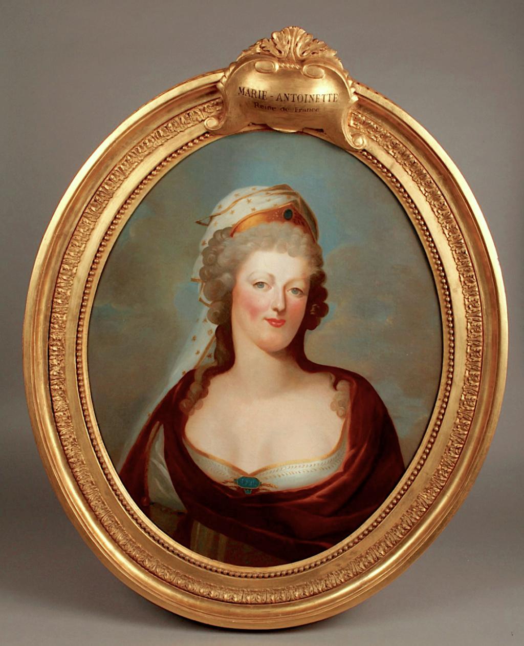 Portraits de Marie-Antoinette costumée à l'antique, ou en vestale, par et d'après F. Dumont  Capt1258