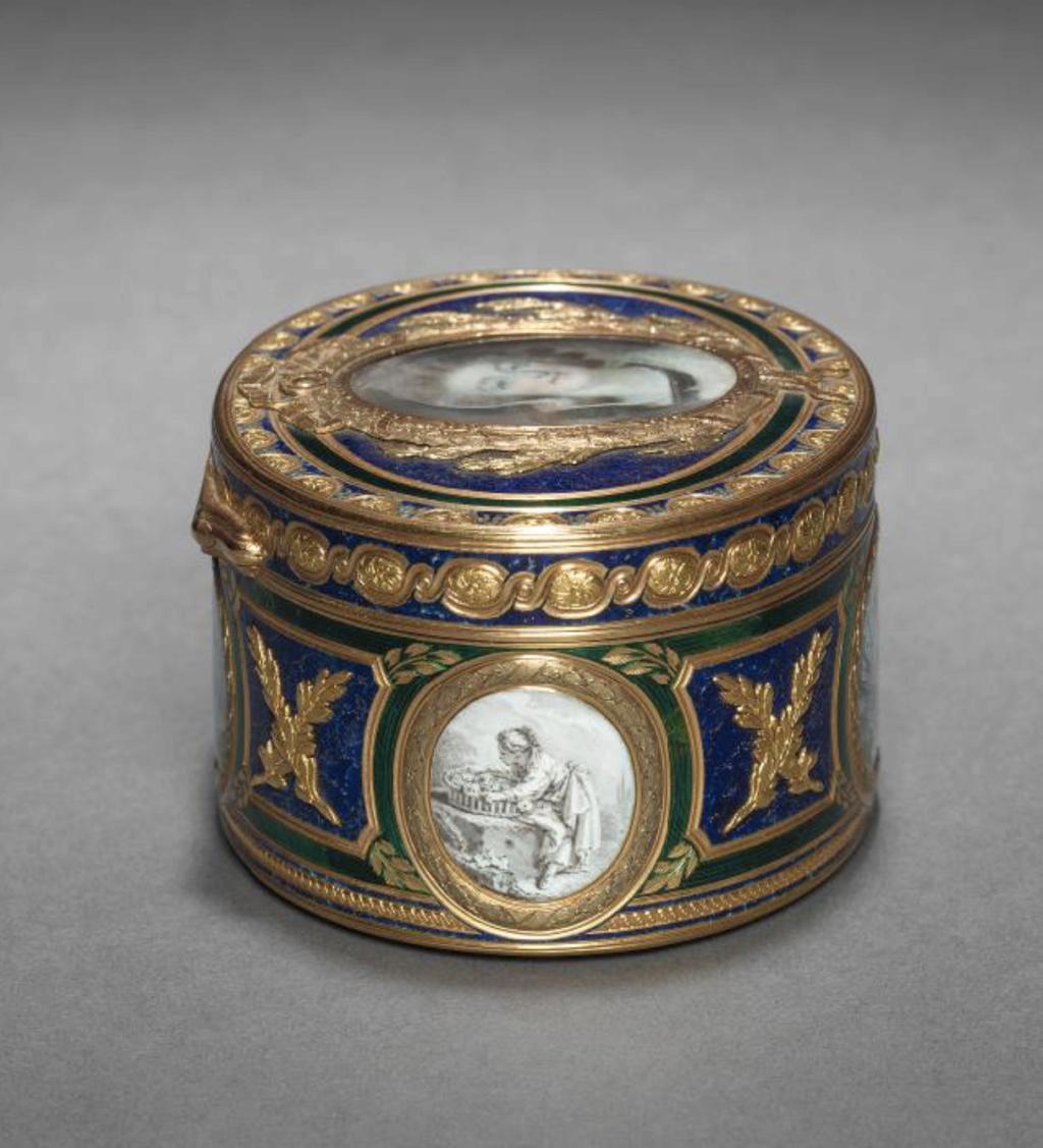 Marie Antoinette, miniatures attribuées à ou d'après François Dumont - Page 2 Capt1290