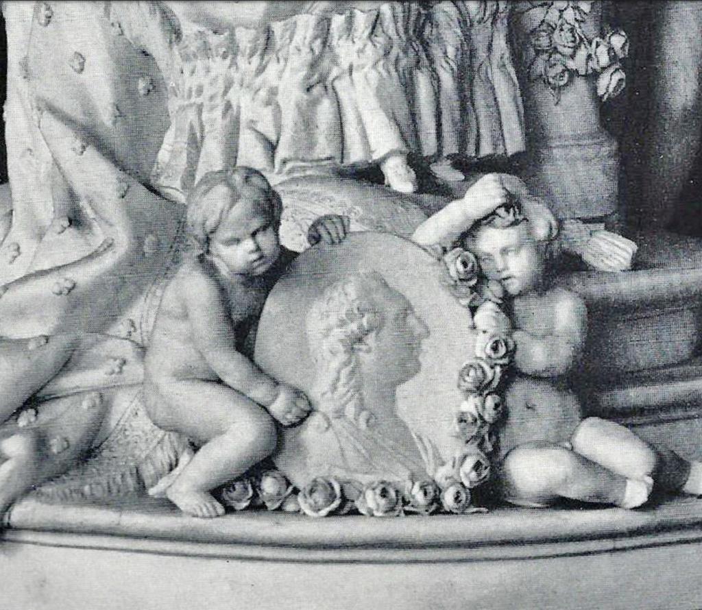 Marie-Antoinette : sujets allégoriques en porcelaine de la Courtine, Manufacture de Locré (Jean-Baptiste) Capt1457