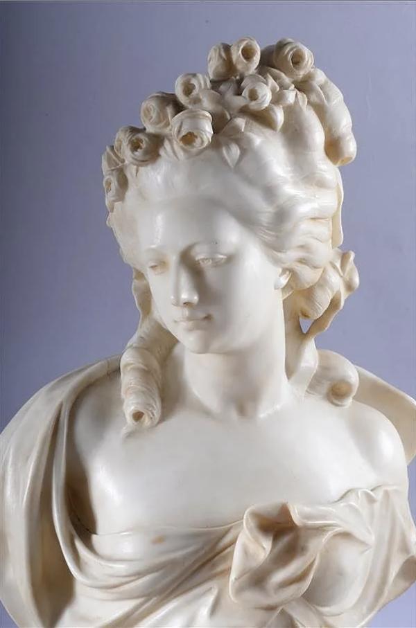 Sculpture : Les bustes de la princesse de Lamballe (présumée) Capt1470