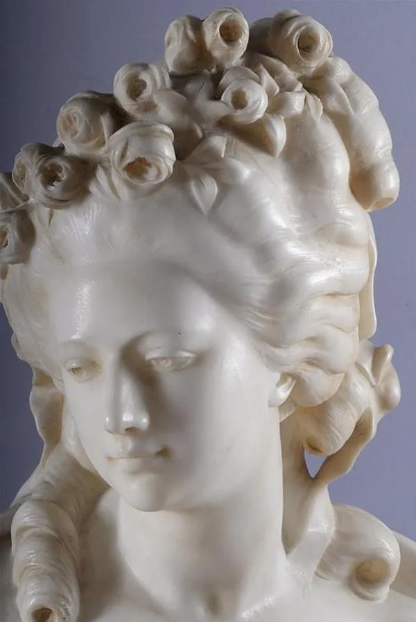 Sculpture : Les bustes de la princesse de Lamballe (présumée) Capt1471