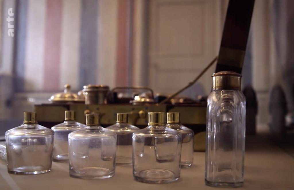 Nécessaires - Les nécessaires de voyage de Marie-Antoinette Capt1923