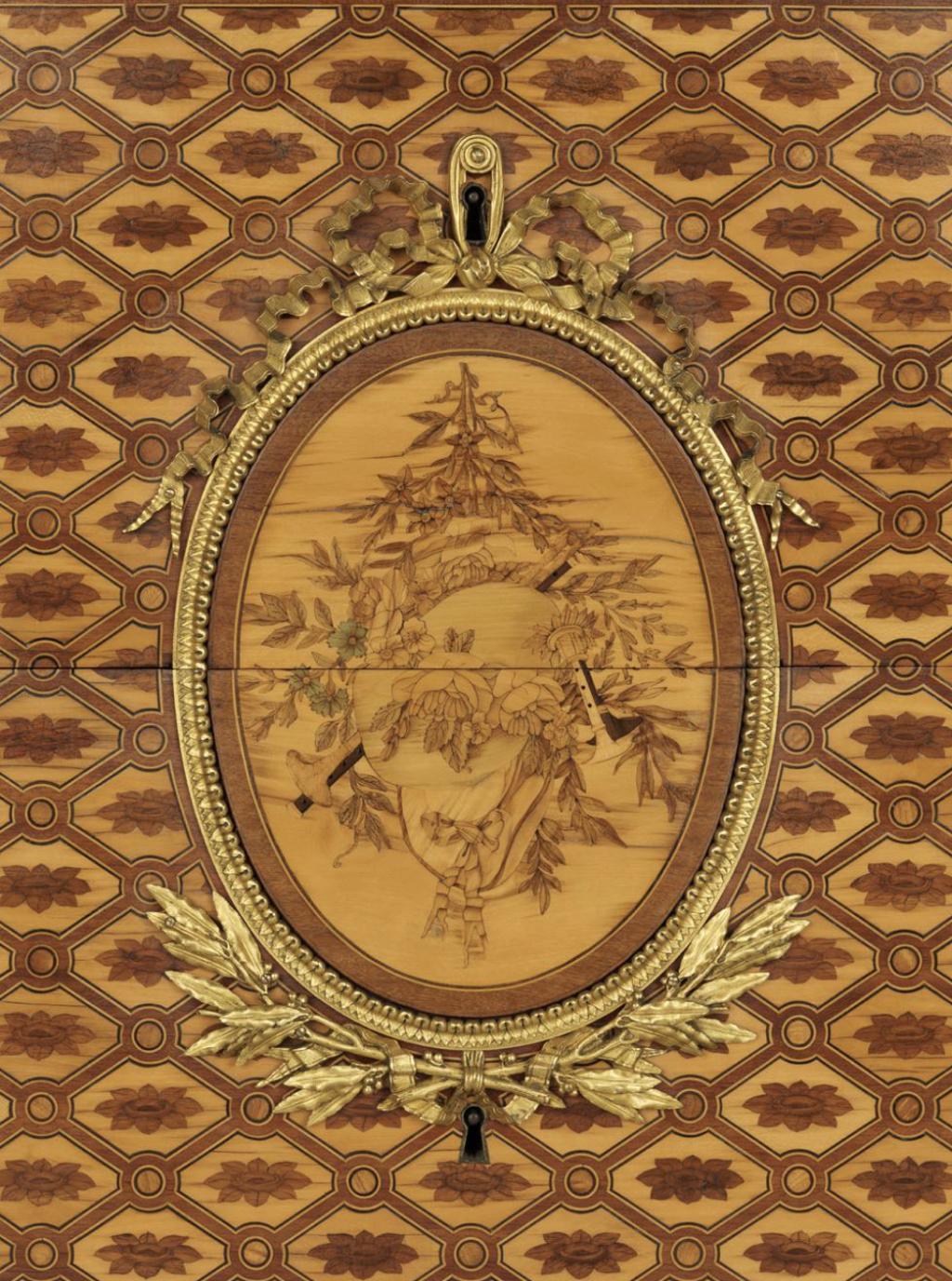 Jean-Henri Riesener, célèbre ébéniste du XVIIIe siècle - Page 2 Capt2293
