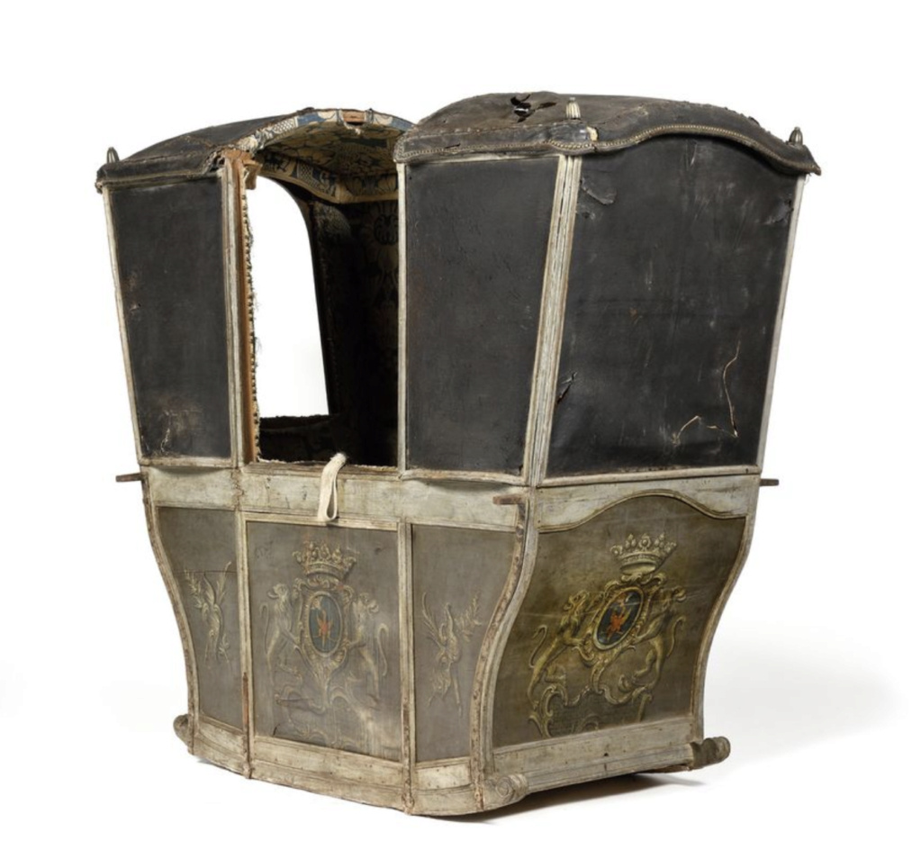 Chaises à porteurs, muletières et palanquins - Page 3 Capt2508