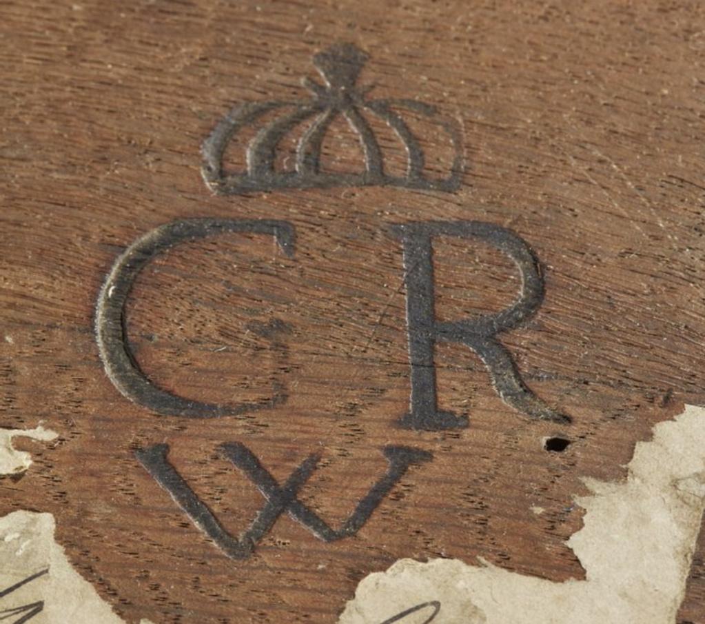 Marques du mobilier et sceau du Garde-Meuble de la reine Marie-Antoinette Capt2646