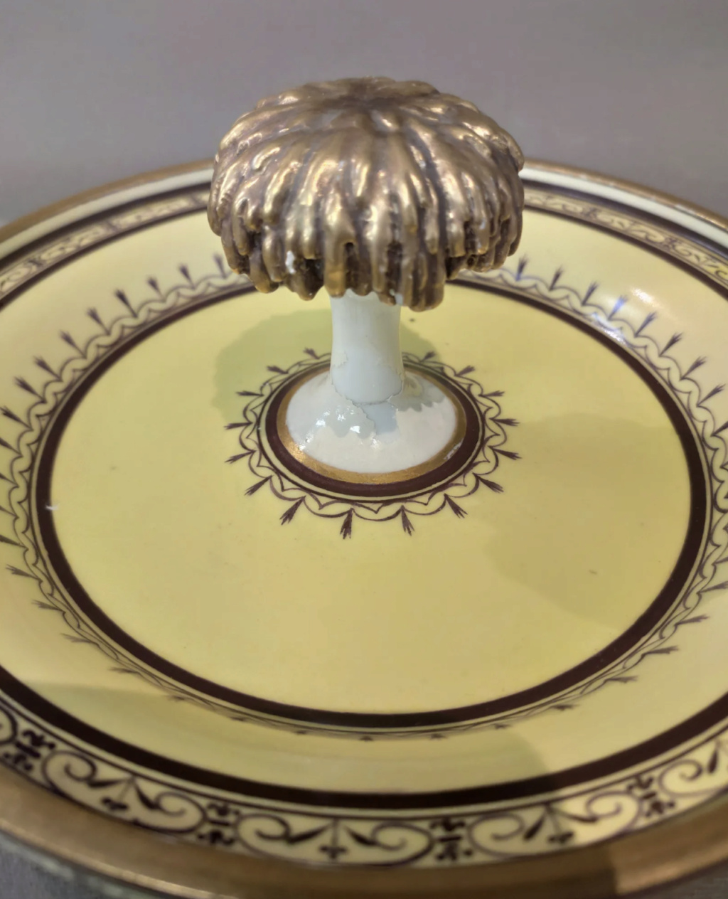 """Seaux à glace """" à trépieds """" en porcelaine de Sèvres  Capt2814"""