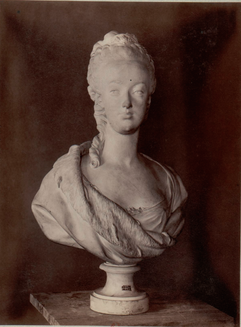 Marie Antoinette, par (et d'après) Louis-Simon Boizot Captu189