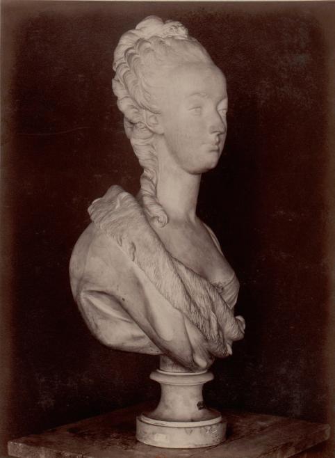 Marie Antoinette, par (et d'après) Louis-Simon Boizot Captu190