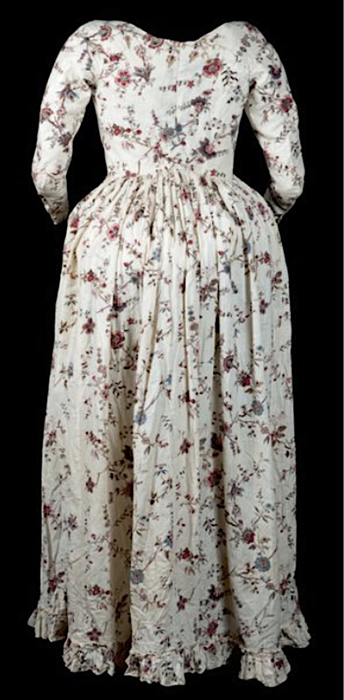 Robes du XVIIIe siècle - Page 3 Captu251