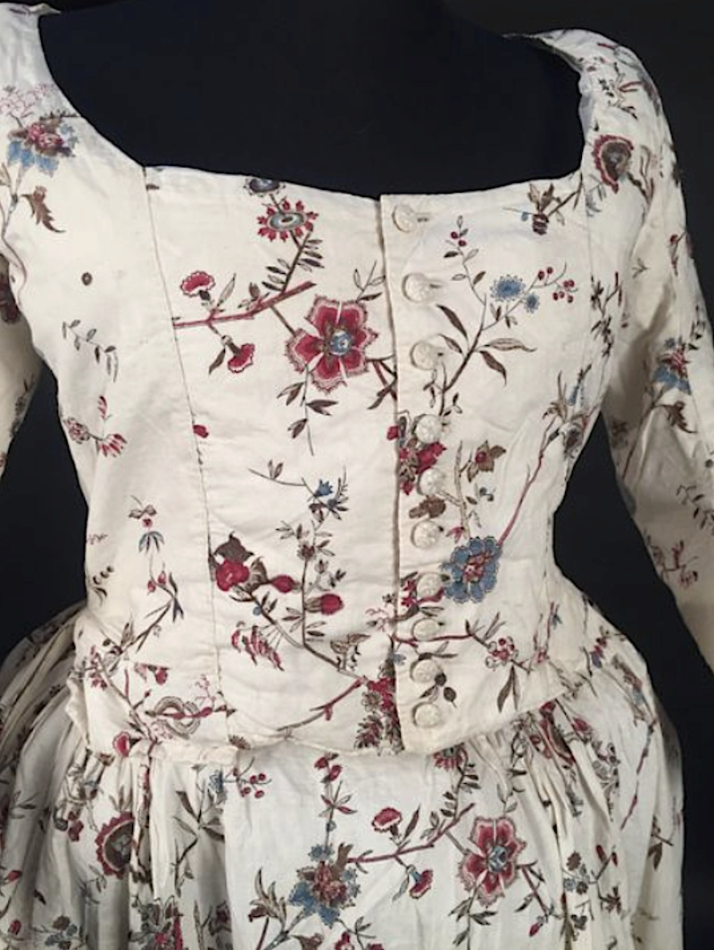 Robes du XVIIIe siècle - Page 3 Captu252