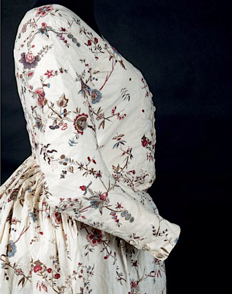 Robes du XVIIIe siècle - Page 3 Captu253