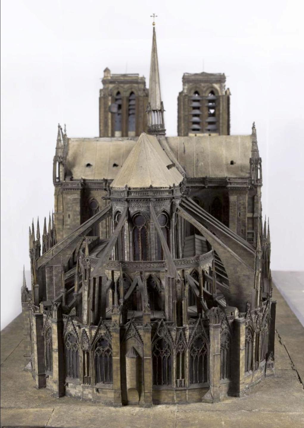 Maquettes historiques de la cathédrale Notre-Dame de Paris Captu259
