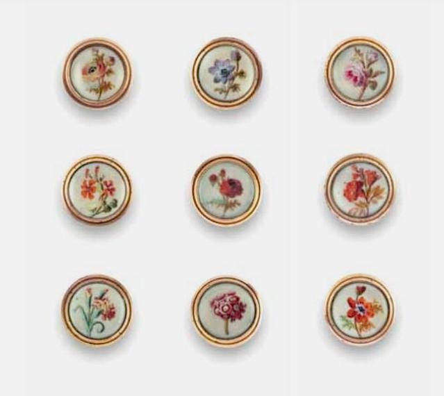 Les boutons, accessoires de mode au XVIIIe siècle - Page 2 Captu264