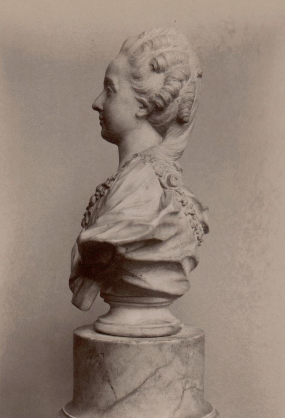 Bustes de Marie-Antoinette non attribués Captu344