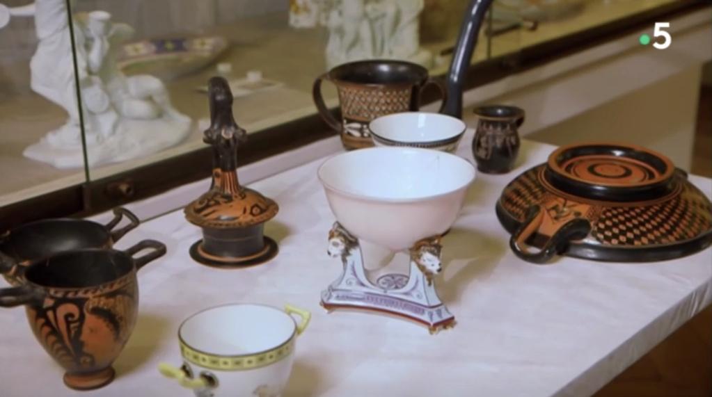 Service de Marie-Antoinette pour Rambouillet en porcelaine de Sèvres Captu470