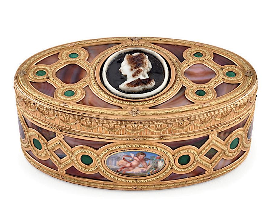 Portraits de Marie-Antoinette sur les boites et tabatières - Page 2 Captu505
